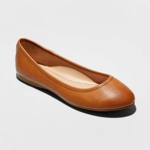Everly Faux Leather Round Toe Ballet Flats WIDE